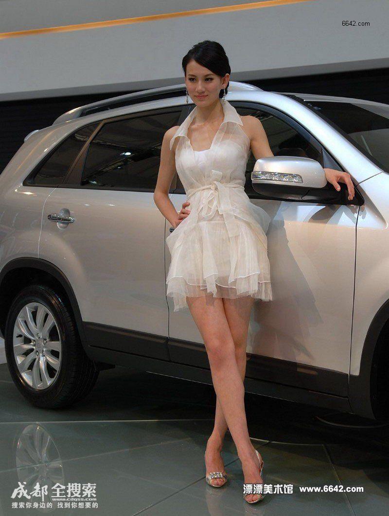 09上海车展白纱短裙美女 竖