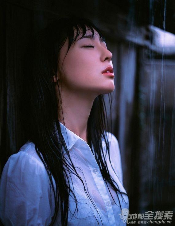 分享美图:日本美臀女王秋山莉