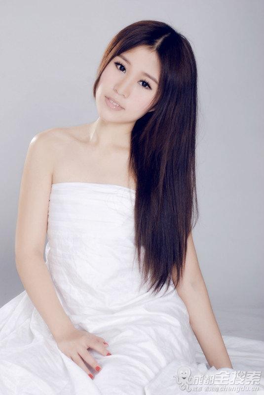成都美女大学生平面礼仪模特