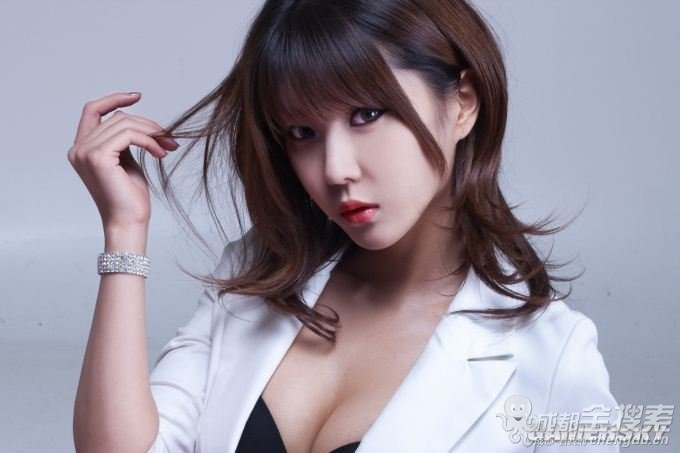 我要挑战添色计 韩国性感美女cos写真……有沟哟